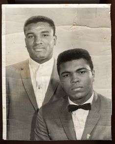 """I figure I'll be champ for about ten years and then I'll let my brother take over - like the Kennedys down in Washington."" - Muhammad Ali Ali (then Cassius Clay, Jr) and his brother Rahman Ali (then. Black Love, Black Is Beautiful, Black And White, Black Art, Boxing History, Float Like A Butterfly, Ali Quotes, Star Quotes, Vintage Black Glamour"