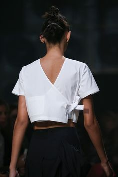 Marc by Marc Jacobs Spring 2015 Ready-to-Wear Accessories Photos - Vogue Look Fashion, Fashion Details, Fashion Show, Womens Fashion, Fashion Design, Fashion Spring, Milan Fashion, Couture Fashion, Runway Fashion