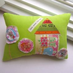Hand Dyed Appliqued Posy Pillow Happy Home от tracyBdesigns