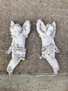 Vintage hand painted Cherub Angel pair Antique white and Gold Repurposed Shabby cottage chic wall decor Chippy distressed French country Retro Home Decor, Vintage Decor, Etsy Vintage, Vintage Shops, Victorian Home Decor, Victorian Farmhouse, Annie Sloan Old White, Great Housewarming Gifts, Small Shops