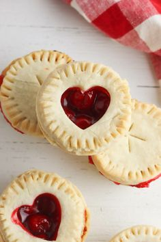 January 2020 · Leave a Comment Appetizers· Desserts· Pies Traditionally, cherry pie is made& Mini Cherry Pies, Cherry Tart, Mini Pies, Mini Pie Recipes, Vegan Recipes Easy, Baking Recipes, Pastry Recipes, Sweet Recipes, Canned Cherries