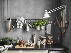 SÄLJAN werkblad | IKEA IKEAnl IKEAnederland keuken METOD serie koken eten diner interieur wooninterieur inspiratie wooninspiratie lades laden deuren ladefronten hout eiken aanrecht