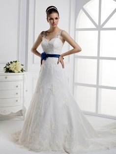 New arrival V-neck Lace bridal gown with Natural