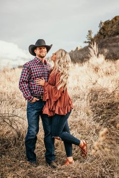 Nov 2019 - One of my favorite engagment sessions of all time. Cade and Ashley met in junior college only to leave Cade wanting more and seeing if a second first date four years later would be the charm Country Couple Pictures, Cute Country Couples, Couple Picture Poses, Couple Photoshoot Poses, Cute Couple Pictures, Family Pictures, Country Couple Poses, Fall Couple Photos, Fall Pics