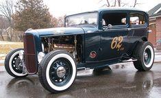 Spud's Garage - 1932 Ford Tudor - Hot Rod