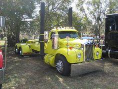Mack photos A Tribute to the Bulldog Old Mack Trucks, Big Rig Trucks, New Trucks, Cool Trucks, Custom Pickup Trucks, Old Pickup Trucks, Truck Transport, Freightliner Trucks, Classic Ford Trucks