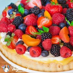 Fresh Fruit Desserts, Fresh Fruit Tart, Lemon Desserts, Summer Desserts, Delicious Desserts, Fruit Cakes, Fruit Flan Recipe, Whole Foods Fruit Tart Recipe, Sweets