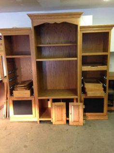 Solid Oak Entertainment Center   Beautiful Condition For 22 Years Of Use.  All Doors,