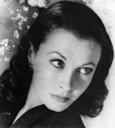 meganmonroes:  Vivien Leigh in the 1940s.
