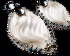 Shibori earrings Shibori, Swarovski, Crown, Earrings, Jewelry, Fashion, Ear Rings, Moda, Corona
