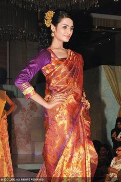 Aarthi walks the ramp during Sri Palam Silks' 'Silkline 13' fashion show, held at Grand Hyatt in Chennai