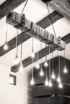 Coins et recoins - Décoration salon / Living-room - deco Nordic style  - La touche d'Agathe - Lights strung bulbs . . .