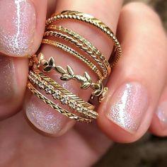 Ideas For Jewerly Boho Rings Bijoux Hippie Jewelry, Dainty Jewelry, Cute Jewelry, Jewelry Art, Gold Jewelry, Jewelry Rings, Jewelery, Unique Jewelry, Boho Hippie