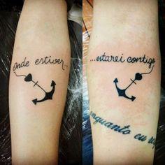 As ideias de tatuagem para fazer com a sua irmã são infinitas e podem simbolizar o amor e cumplicidade que existe entre vocês. Arte Aries, Art Couple, Mini Tattoos, Tatting, Coloring Books, Tattoo Quotes, Tattoo Designs, Leh, Tatoos