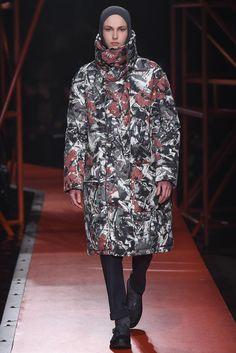 Hunter Original - Fall 2015 Ready-to-Wear - Look 26 of 44 Runway Fashion, High Fashion, Fashion Show, Fashion Design, Fashion Trends, London Fashion, Hunter Original, Androgynous Fashion, Fall 2015