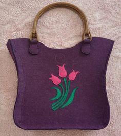 Felt Purse, Diy For Girls, Felt Crafts, Embroidery, Stitch, Purses, Sewing, Crochet, Handmade