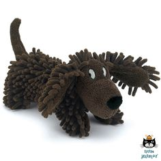 Silly Sausage dog van Jellycat. Alleen de naam al! Hilarisch! Wat een ondeugend koppie heeft deze bijzondere rasta teckel.