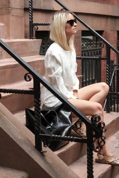 Wardrobe staples we cannot live without and can never have enough of: Leather skirts and white shirts. Although black is my usual pick when it co Black Tote, White Shirts, Street Style Looks, Summer Wear, Wardrobe Staples, Leather Skirt, Fashion Accessories, Style Inspiration, Clothes For Women