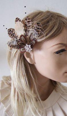 Feather Headpiece, Bridal Fascinator, Wedding Fascinators, Wedding Hair Clips, Headpieces, Emerald Green Hair, Blue Green Hair, Winter Wedding Bridesmaids, Brides And Bridesmaids