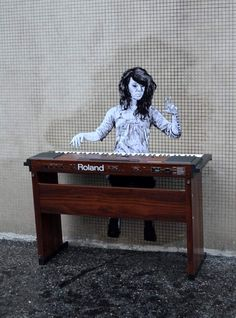 A selection of amazing street art creations by French artist Levalet who populates city walls of France with monochrome characters playing on the elements and u 3d Street Art, Amazing Street Art, Best Street Art, Street Artists, Amazing Art, Street Work, Awesome, Graffiti Art, Best Graffiti
