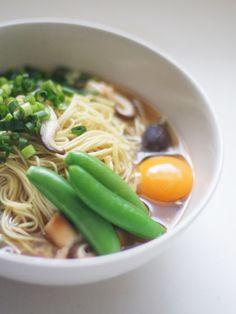 マルタイラーメン(Soy sauce-flavored ramen)