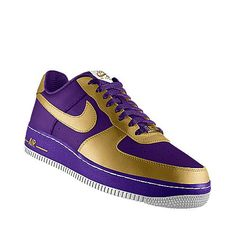 I designed this at NIKEiD - THIS is a UW shoe if I've ever seen one. #UDUB #Washington #Huskies