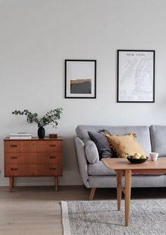 Vintage and modern elements combined - via Coco Lapine Design Cheap Living Room Sets, Living Room Modern, Home Living Room, Living Room Designs, Living Room Decor, Tiny Living, Modern Wall, Living Spaces, Bedroom Furniture Design