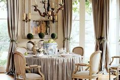 Round table dining room