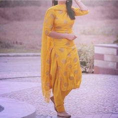 Shop salwar suits online for ladies from BIBA, W & more. Explore a range of anarkali, punjabi suits for party or for work. Women Salwar Suit, Indian Salwar Suit, Salwar Suits Online, Indian Suits, Indian Wear, Patiala Suit Designs, Salwar Designs, Blouse Designs, Designer Punjabi Suits