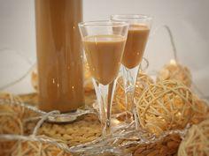 Vianočný kakaový likér Alcoholic Drinks, Beverages, Homemade Skin Care, Winter Christmas, Favorite Holiday, White Wine, Rum, Smoothie, Health And Beauty
