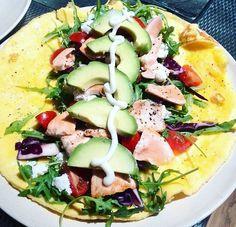 Omeletwrap met avocado en zalm