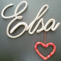 Prénom moins de 5 lettres + Forme en tricotin : Décorations murales par petites-mains70
