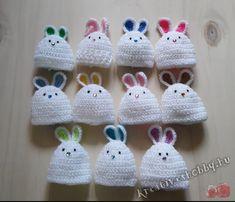 Horgolt nyuszis tojástakaró - Kreatív+Hobby Alkotóműhely Crochet Hats, Knit Crochet, Minion, Easter, Christmas Ornaments, Knitting, Holiday Decor, Ann, Amigurumi