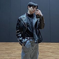 Twitter Profile Picture, Sims, Nct, Leather Jacket, Icons, Kpop, Detail, Random, How To Wear