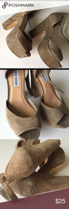 Taupe Steve Madden Grettta Chunky straps heels Adorable Steve Madden Chunky Heels. See pictures for discoloration on heels Steve Madden Shoes Heels