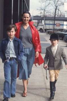 Gloria Vanderbilt with her sons, 1976 Trey Taylor, Hbo Documentaries, Anderson Cooper, Restaurant New York, Gone Girl, New Wife, Social Icons, Costume Institute, French Films