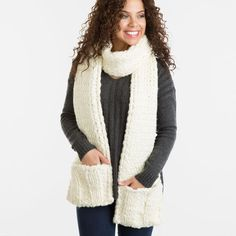 This luxurious scarf doubles in functionality with built in pockets! Easy, fun project for loom knitters. Loom Knitting Scarf, Round Loom Knitting, Loom Scarf, Loom Knit Hat, Knifty Knitter, Loom Knitting Projects, Loom Knitting Patterns, Lace Knitting, Scarf Patterns