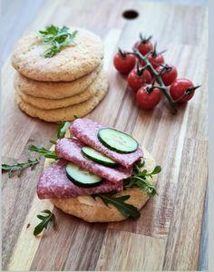 Velkommen til min matverden – Proteinrike lavkarbo lapper Bagels, Cottage Cheese, Food And Drink, Pizza, Keto, Baking, Desserts, Tailgate Desserts, Deserts