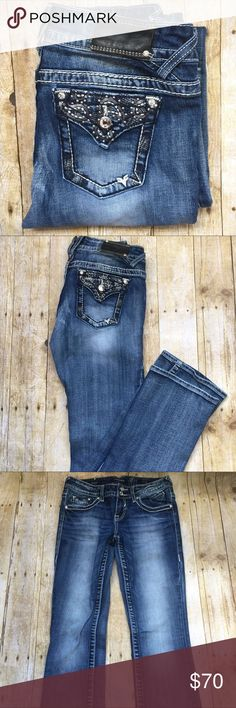 VIGOSS BOOT CUT JEANS Barely worn and in great condition. Very neat and looks  brand new. Inseam: 33, lengths: 41. Open to offers . Thank you Vigoss Jeans Boot Cut