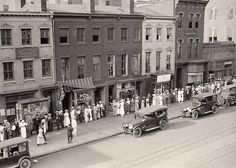 . Washington DC Street Scene Here for your enjoyment is a rare photo of Washington DC Street Scene. First Division, AEF. American Expiditionary Forces. People lined up for Sale of Tickets. It was created in 1919 by Harris & Ewing.   The photograph illustrates United States.