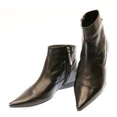 Bota Cano Curto Preta NY44 Sapri | Moselle sapatos finos femininos! Moselle sua boutique online.