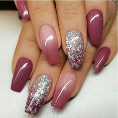 Ombre nails are everywhere these days. Ombre nails are eye-catching and personalized, and can be subtle as you want. I like a soft pastel ombre fade that is suitable for everyday use or glitter ombre nails for special occasions such as weddings. Mauve Nails, Coffin Nails Matte, Sns Nails, Gradient Nails, Stiletto Nails, Holographic Nails, Pink Coffin, White Nails, Dark Nails