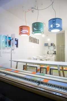 upcycled interior Willem Heeffer - with upcycled washing machine drum lights
