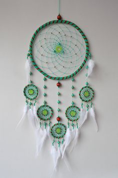 Unusual dream catchers and wall hangings por GrandpaO Dream Catcher Patterns, Dream Catcher Decor, Blue Dream Catcher, Beautiful Dream Catchers, Large Dream Catcher, Diy Dream Catcher Tutorial, Lilo Et Stitch, Crochet Projects, Etsy