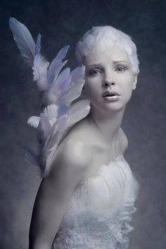 High Fashion Photography   Fashion - Editorial - Portrait - Black and White Photography - Pose Idea / Inspiration