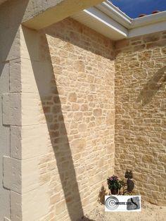 Rénovez et valorisez vos façade avec imipierre le spécialiste de l'enduit projeté et sculpté pour un résultat pierre de région.