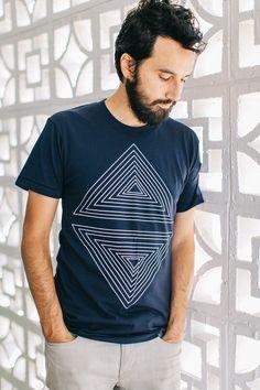 Rule of Thirds - Men's Geometric Tshirt - White on Navy Blue                                                                                                                                                     Mais