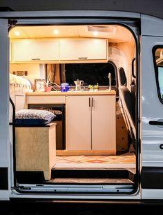 Vanlife Customs Vincent Van-Go Transit Van Conversion Ford Transit Conversion, Minivan Camper Conversion, Cargo Trailer Conversion, Sprinter Conversion, Van Conversion Kitchen, Diy Van Conversions, Van Conversion Interior, Ford Transit Custom Camper, Combi Vw T2