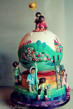 """With this cake, which has been realised for an extraordinary charity contest called """"Cake for Children by the organization """"La Città dei Ragazzi"""" in Rome, La Belle Aurore won the first prize. Pretty Cakes, Cute Cakes, Beautiful Cakes, Amazing Cakes, Crazy Cakes, Fancy Cakes, Unique Cakes, Creative Cakes, Fondant Cakes"""