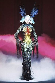 Thierry Mugler  Probably one of my favourite pieces of haute couture ever!